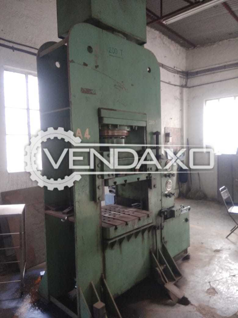 Indian Make Hydraulic Press Machine - 200 Ton