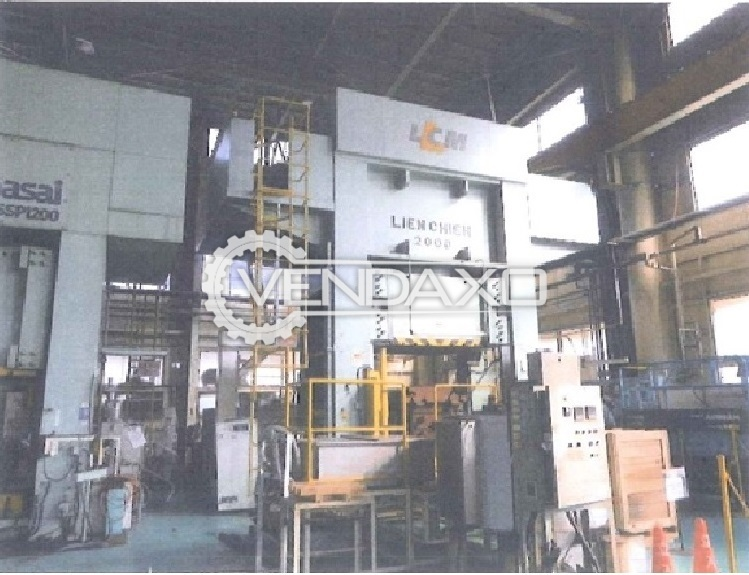 Lien Chieh Make Sheet Stamping Hydraulic Press Machine - Capacity : 2000 Ton
